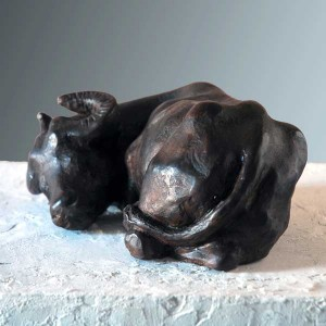 elizabeth-patrick-figurative sculpture of buffalo-vancouver-sculpture-studio