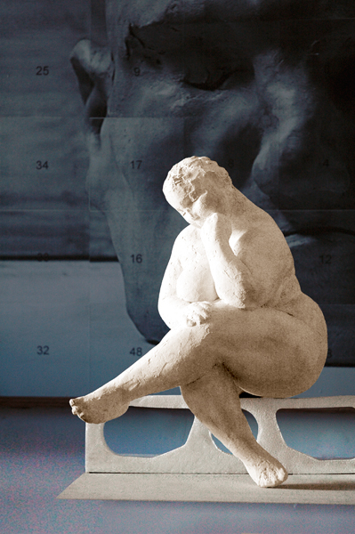 seated female figurative sculpture by Geemon Xin Meng, Vancouver Sculpture Studio